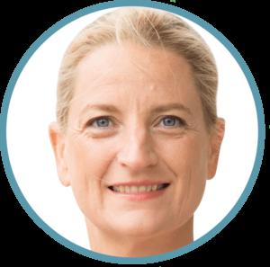 Buchautorin, Heilpraktikerin, Bewegungs-wissenschaftlerin, Yogalehrerin. Gemeinsam mit Heike Oellerich ist sie Gründerin und Geschäftsführerin von FASZIO® - dem ganzheitlichen Faszientraining – und leitet die FYTT location in Hamburg-Groß Borstel. www.faszio.de | meine-wechseljahre.com | Hildegard Aman-Habacht